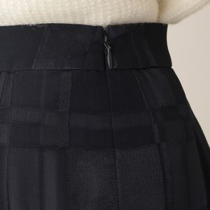 シャイニーブロックジャカードスカート